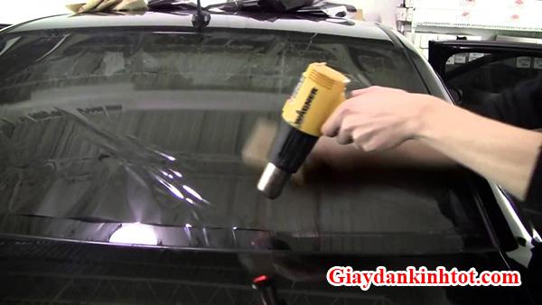 Dán phim cách nhiệt xe hơi
