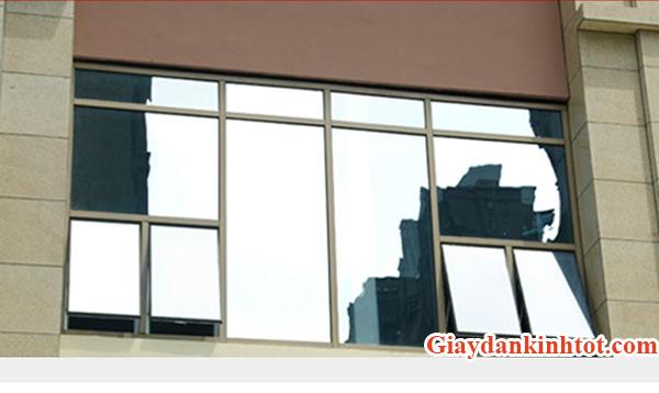 Lợi ích của giấy dán kính phản quang khi sử dụng cho căn hộ Indochina Plaza