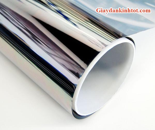 Đặc điểm nổi bật của giấy dán kính một chiều
